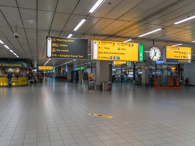 bewegwijzering in Schiphol